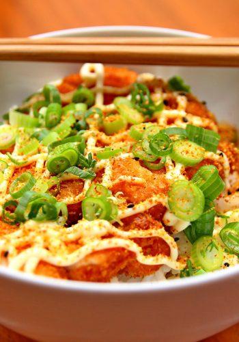 Gebratene Nudeln mit Huhn und Gemüse